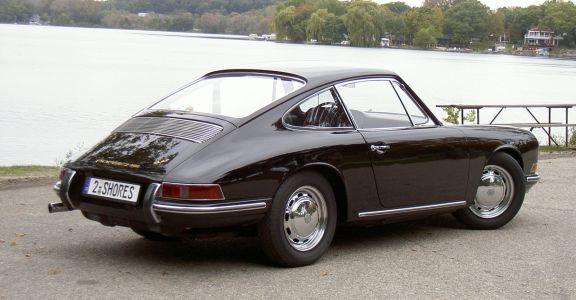 1966 Porsche 911 2.0 Coupe perspective
