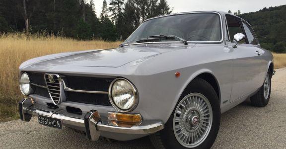 1971 Alfa Romeo GT 1300 Junior perspective