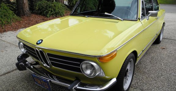 1972 BMW 2002tii  perspective