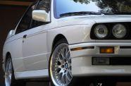 1989 BMW E30 M3 View 3