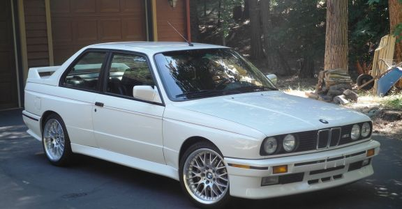 1989 BMW E30 M3 perspective