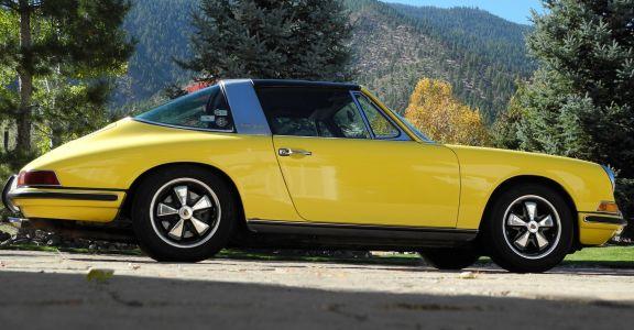 1968 Porsche 911L Targa perspective
