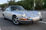 1971 Porsche 911S Coupe View 4