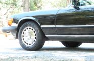 Mercedes Benz 560SL One owner!  View 15