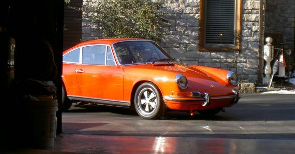 1970 Porsche 911E perspective
