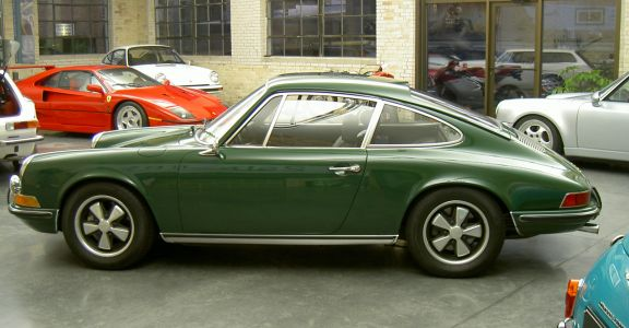 1970 Porsche 911S Coupe perspective