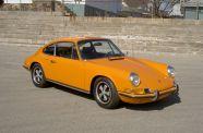 1972 Porsche 911 T Coupe 2.4 View 2